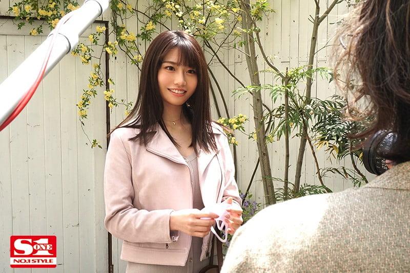 2021年7月に待望の復活!伝説的AV女優、河北彩花ちゃんの2018年デビュー作品
