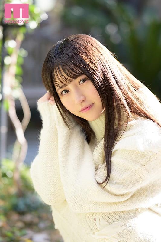 経験人数1人でうぶ感満載な18歳、小野六花(おのりっか)ちゃんのデビュー作