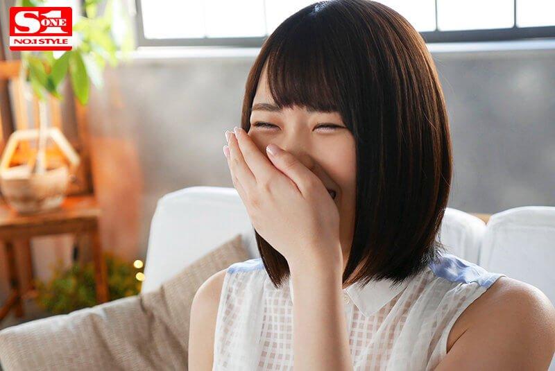 【新人AVデビュー、和知すばるちゃん】ロリ顔でFカップのギャップがいい!